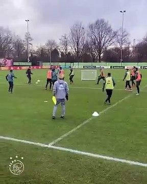 L'entraînement génial de l'Ajax Amsterdam dans les petits espaces