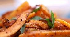 Pour l'apéro ou au milieu d'un repas, innovez avec les frites de carottes à l'ail et au parmesan!