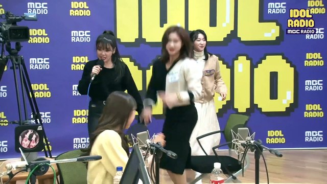 [IDOL RADIO] OH MY GIRL SEUNGHEE,BINNIE - Gashina