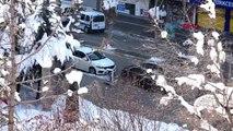 Van'da caddeye bırakılan çantada bomba şüphesi