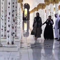 إيفانكا ترامب في زيارة لجامع الشيخ زايد في أبوظبي