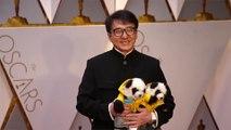 Coronavirus: Jackie Chan sort son carnet de chèque