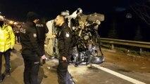 Düğünden dönenleri taşıyan minibüs devrildi: 10 yaralı - KOCAELİ