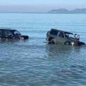 Vlorë/ U gjetën tre makina në det, reagon policia
