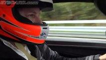 Drag-race en ligne droite : la Koenigsegg Agera R bat une Bugatti Veyron