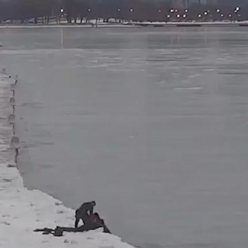 Dramatic video shows rescue from Lake Michigan's icy waters