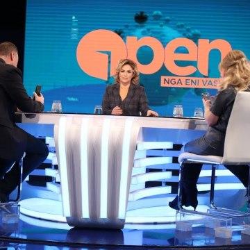 """Open-Pamjet live nga aksioni për """"makinat luksoze"""",debat i fortë mes Manjanit,Çanit dhe Eni Vasilit"""