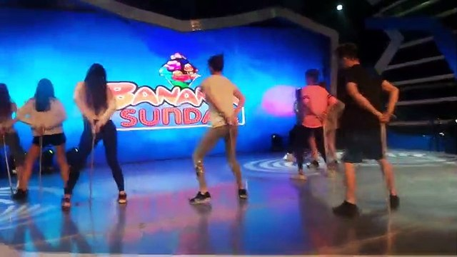 All-star cast opening rehearsals, silipin!