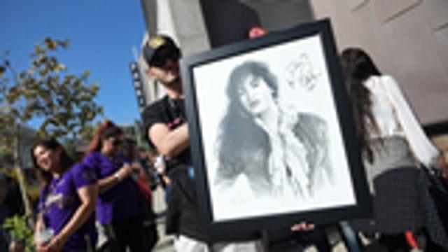 Pitbull, Becky G Set to Headline Selena 25 Years Tribute Concert | Billboard News