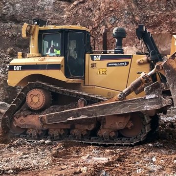 Cat D8T Bulldozer Pushing Huge Rock - Sotiriadis⁄Labrianidis Mining