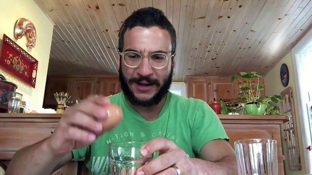 How to remove an eggshell - Mademan Hacks