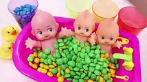 ToyMonster - Learn Colors Baby Doll Bath Time MandMs Chocolate Play doh Modelling Play