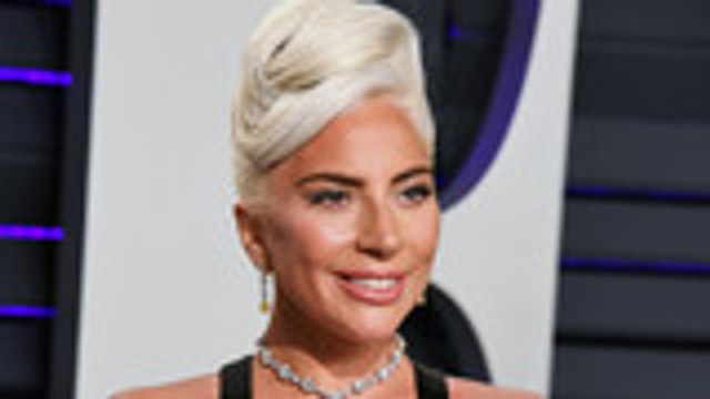 """A Stunning Subway Cover of Lady Gaga's """"Shallow"""" is Blowing Up the Internet 