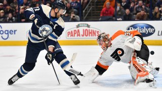 Nick Foligno goes between-the-legs to net a beauty against Flyers