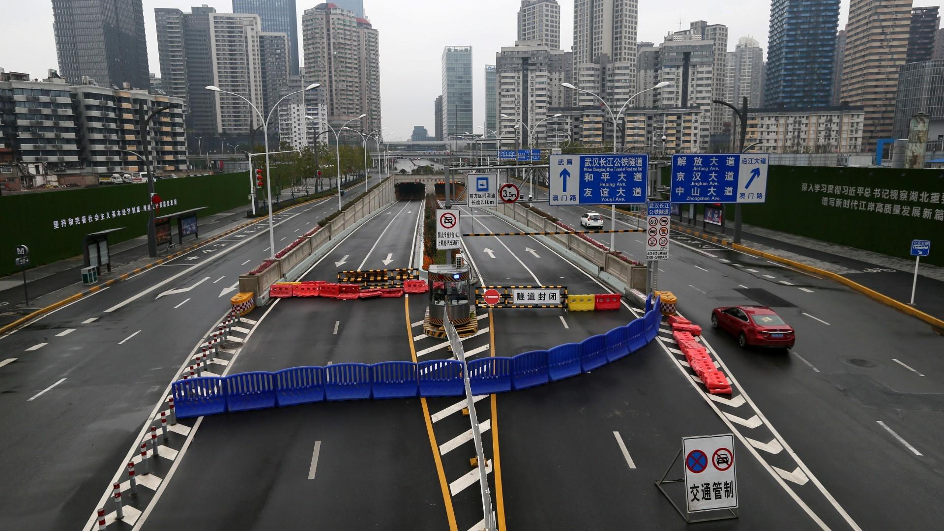 Coronavirus epidemic: Wuhan residents ordered to remain indoors