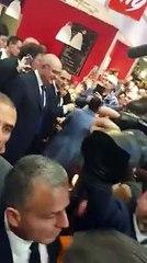 VIRAL ! Emmanuel Macron interpellé en direct par un activiste camerounais