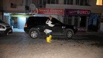 İzmir'de evde çıkan yangın 1 kişinin zehirlenmesine neden oldu