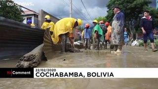 Chuva e inundações espalham o caos na cidade de Cochabamba