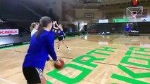 Basket-Ball - Basketball team acing back to back half court shots   South Dakota state women's basketball team NBA