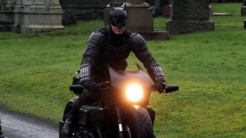THE BATMAN LEAK (2021) BAT SUIT FULL LOOK AND BAT MOTORCYCLE-