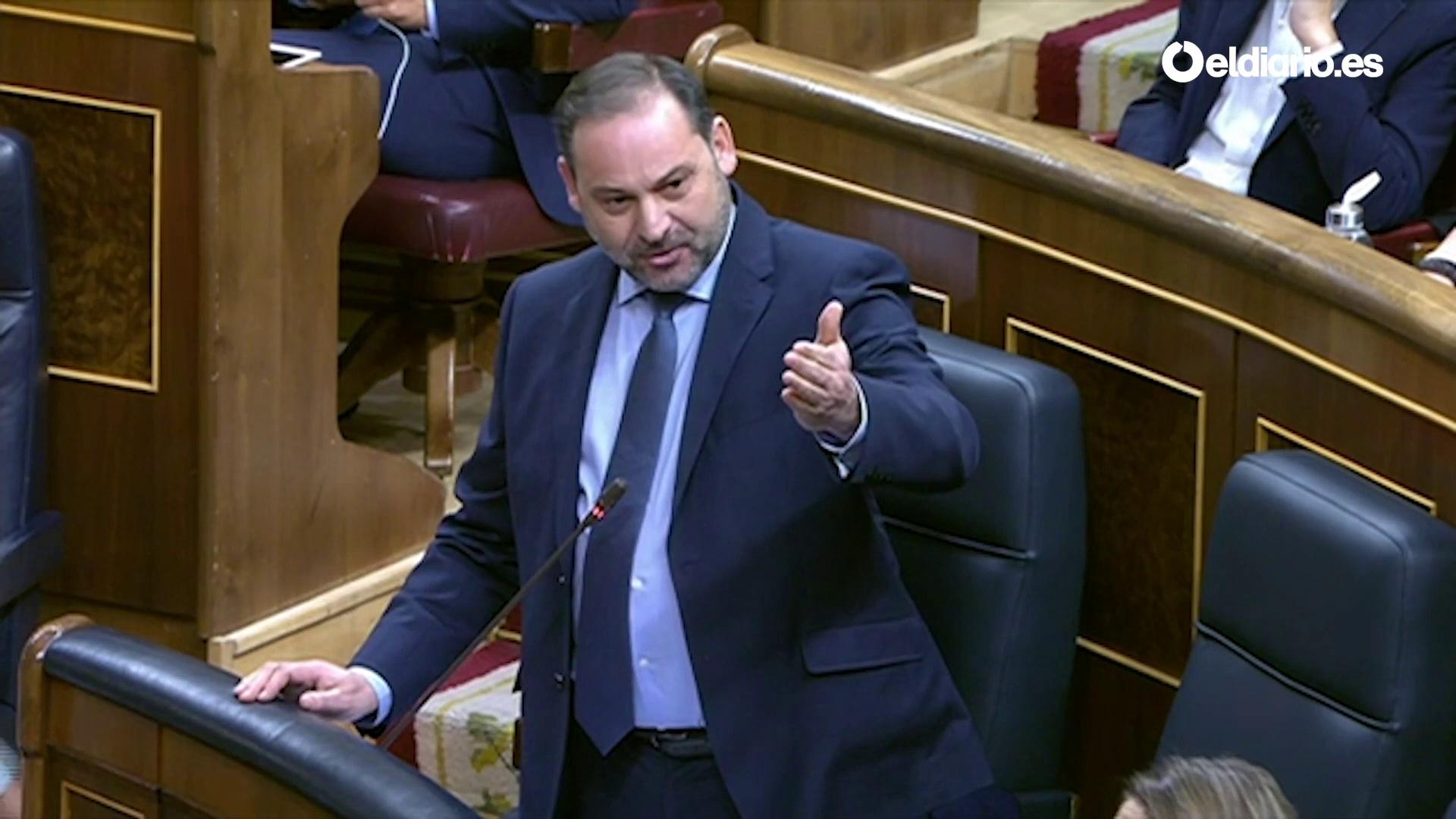 """Ábalos echa en cara al PP """"las mentiras"""" del 11-M y el Yak-42 y la oposición le grita """"dimisión"""""""