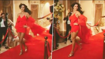 Katrina Kaif S!ZZLING H0T  Ramp walk will all the paparazzi is GOING VIRAL
