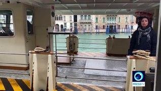 Coronavirus fears leave Venice canals empty