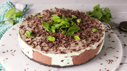 Mint Choc Chip Ice Cream Fans Are Going To Want An Extra Slice Of This Cheesecake