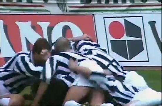 La somptueuse volée de l'extérieur du pied de Del Piero contre la Fiorentina en 94