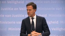 Watch: Dutch PM Rutte bans handshaking and then... shakes hands