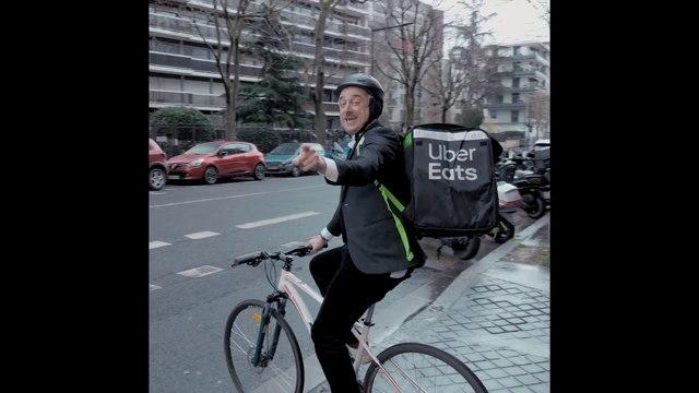 Livraison du ballon pour le Classico OM - PSG avec Uber Eats