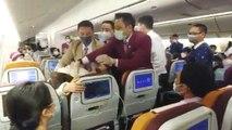 Flugzeug-Crew angehustet: Frau löst Coronavirus-Panik in Flieger aus