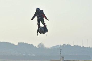 "Das ""Flyboard"" lässt den Menschen fliegen..."