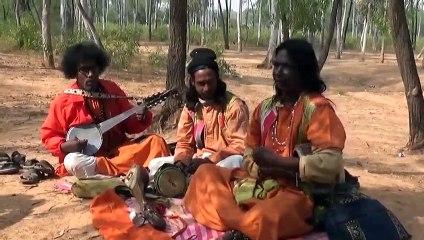 Tomar Kachhe Chaini Kichhu-Kuyar Dhare