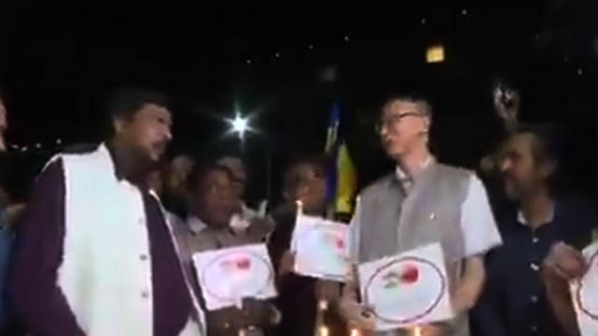 BJP Minister Ramdas Athavale का 'go corona, go corona' Video Viral | Corona Viral Video |