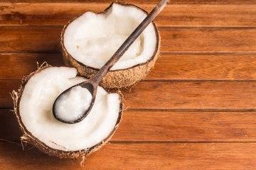 6 usos cosméticos del aceite de coco