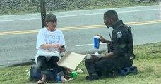 États-Unis : un officier de police partage son déjeuner avec une femme sans-abri