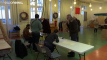 La France vote pour les municipales, en pleine crise du coronavirus