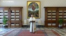Face à la pandémie, le Vatican à huis clos