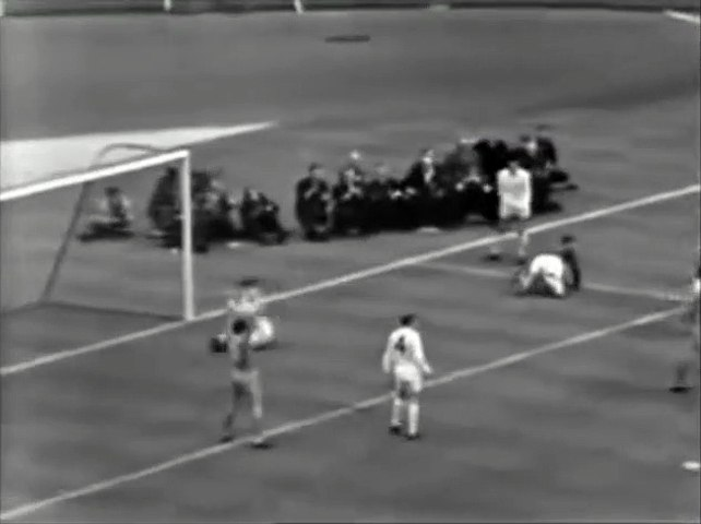 FA Cup 1965 Final - Liverpool vs Leeds - 1.Half
