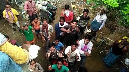 बिहार में दुकानदार ने लुटा दिए हजारों मुर्गे
