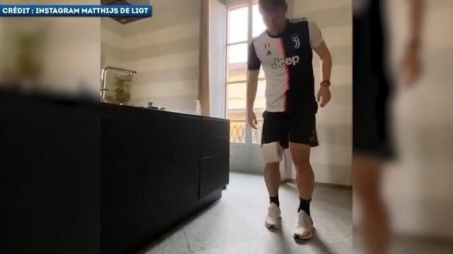 Les footballeurs s'essayent au Stay At Home Challenge