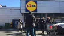 Ixelles - File au supermarché Lidl rue Gray (vidéo Germani)
