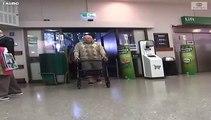 Las grandes cadenas de supermercados adaptan normas y horarios para facilitar las cosas a las personas mayores