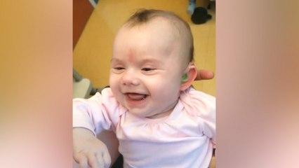 Dove Baby hoort ouders voor de eerste keer