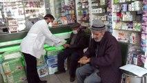 Şeritler çekildi, maskeler takıldı... Korona virüsüne karşı Elazığ'da eczacılardan özel önlem