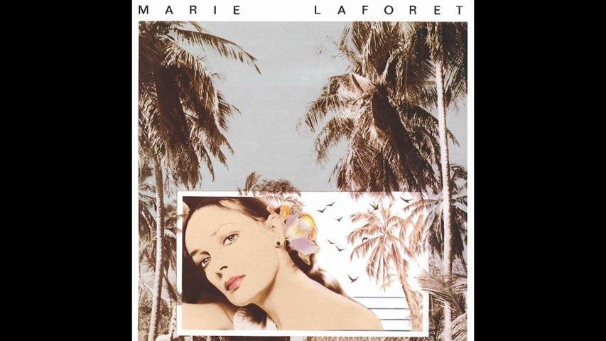 Marie Laforêt - Il a neigé sur Yesterday