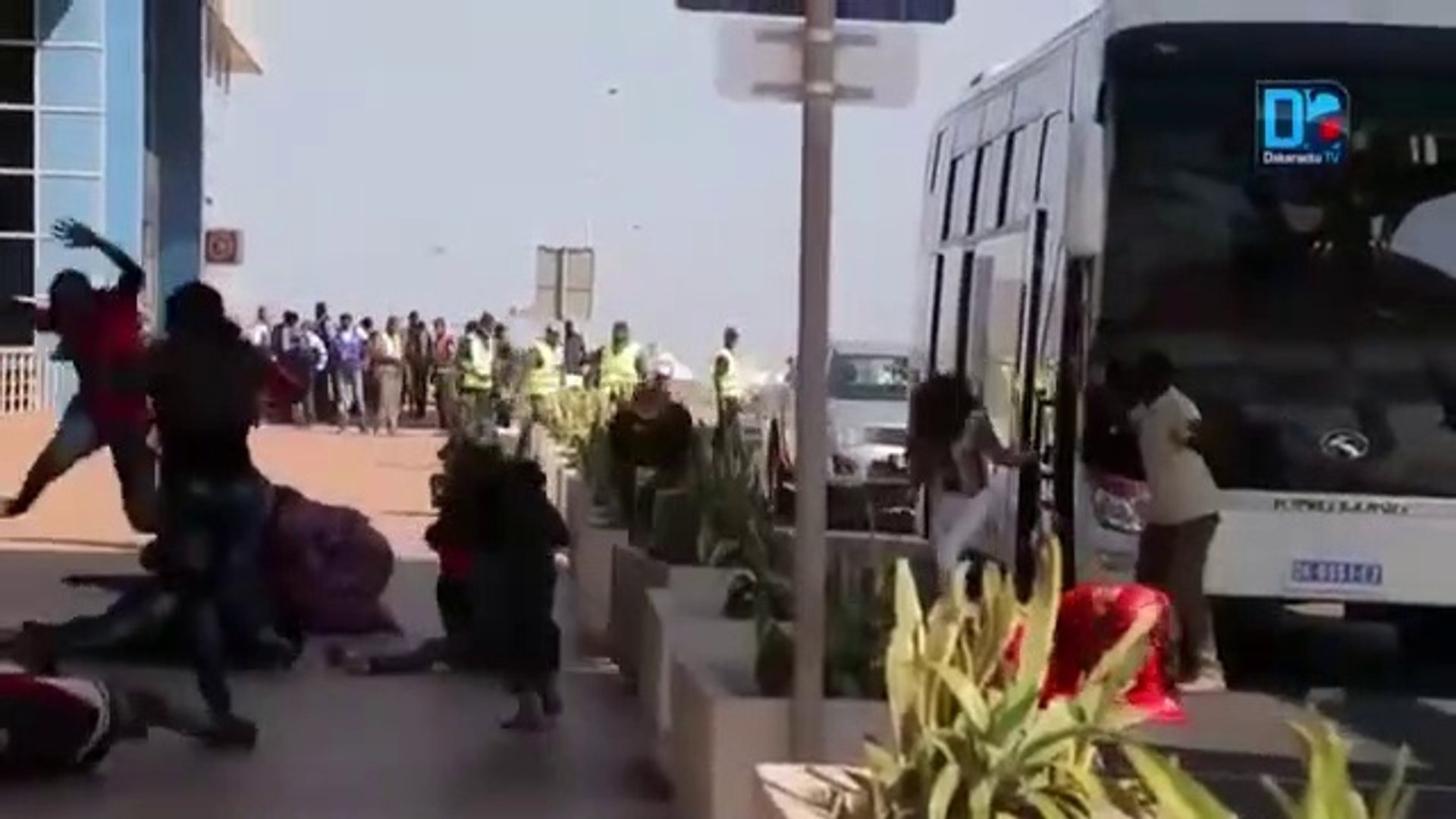 Corona Virus | People effected from corona Virus on Airport. They going to be dieing | scary moments
