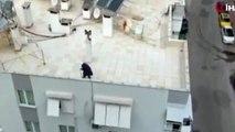 Koronavirüs   Sokağa çıkma yasağına takılan yaşlı kadın, çatıda dolaştı