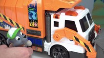 Surprise Toys in Paw Patrol Rocky's Recycling Truck-